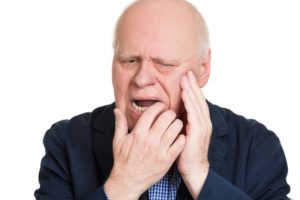 Man with broken denture should see his dentist